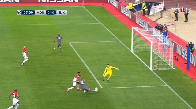 Monaco - Beşiktaş maçında Babel'in golü ofsayt gerekçesiyle iptal edildi