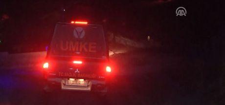 Karla kaplanan araçta 10 saat mahsur kaldılan 3 kişi kurtarıldı
