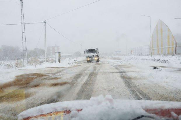 Ardahan'da kar esareti... 17 köy yolu ulaşıma kapalı