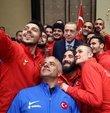 Cumhurbaşkanı Erdoğan, Ampute Futbol Takımı ile Tekerlekli Sandalye Basketbol Takımı