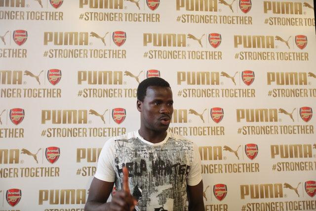Emmanuel Eboue, AIDS olduğu iddialarına cevap verdi
