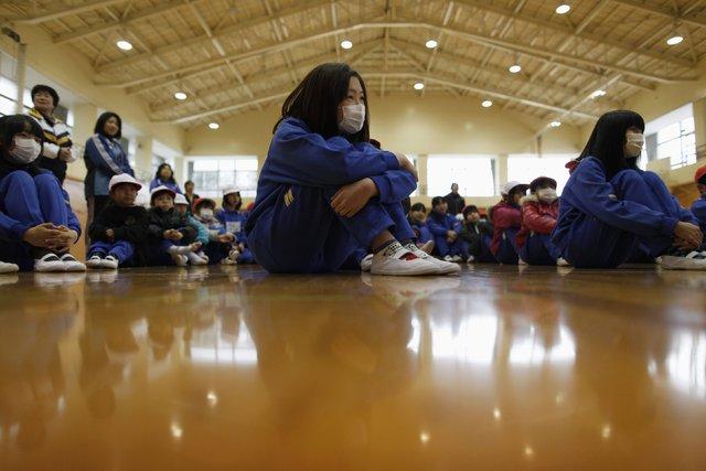 Dünya çocuklarının okula giderken zorlu yolculuğu