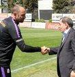 Kulüp başkanı Dursun Özbek, antrenmanı izleyerek derbi öncesi teknik heyet ve oyunculara moral verdi