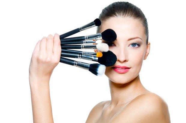 Makyaj fırçası nasıl temizlenir? Makyaj fırçası temizliğinde dikkat edilmesi gerekenler