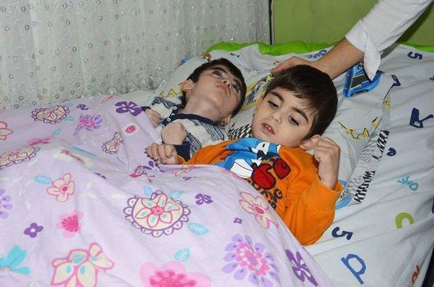 NCL hastası iki çocuğu gözlerinin önünde eriyor