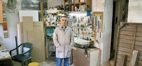 Özkan Şener 6 yıldır İstanbul Bienali'nin marangozu