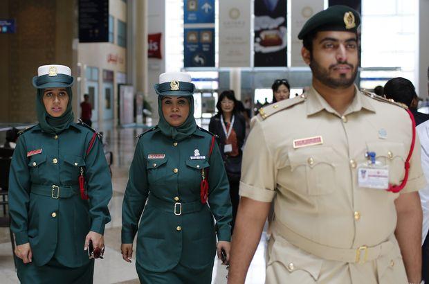 Yanlışlıkla bir erkeğe dokunan İngiliz, Dubai'den çıkamıyor