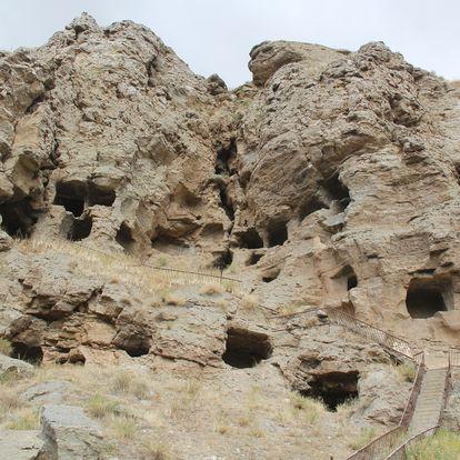 kaya mağaraları