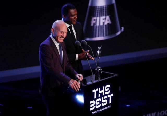 FIFA yılın ödülleri belli oldu | Cristiano Ronaldo en iyi futbolcu seçildi | Cristiano Ronaldo 5. kez ballon d'Or aldı - Lionel Messi gecedeydi