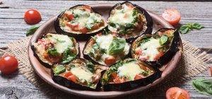 Patlıcan pizza nasıl yapılır? Patlıcan pizza tarifi ve malzemeleri