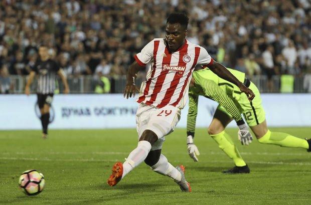 Emenike, son 9 maçta 4 gol attı