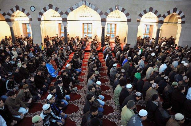 İzmir Cuma saati (27 Ekim) İzmir'de Cuma namazı saat kaçta kılınacak? Cuma vakitleri