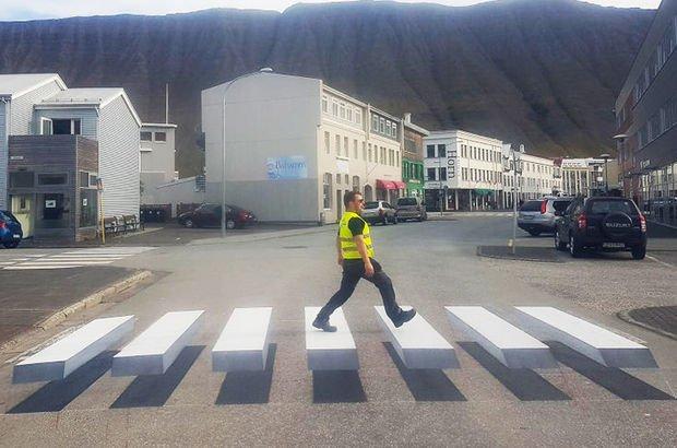 İzlanda'da 3 boyutlu yaya geçidi
