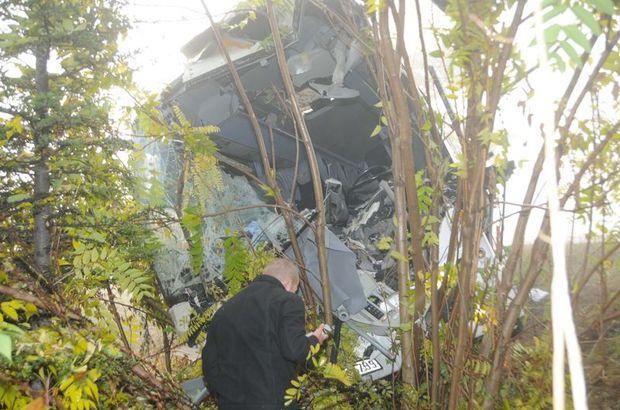 Eskişehir'de yolcu otobüsüyle kamyon çarpıştı