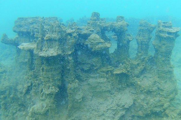 Van Gölü'ne 2.5 kilometre uzaklıkta mikrobiyalitler tespit edildi