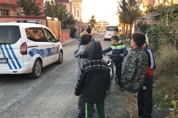 Babasının silahı ile oynayan çocuk ağır yaralandı