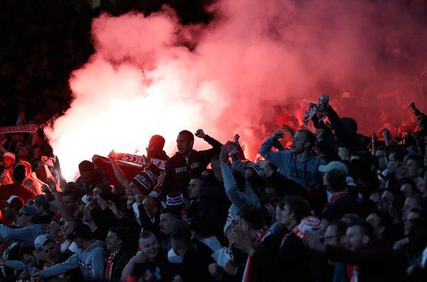 UEFA, Köln'e Arsenal maçı nedeniyle ceza verdi