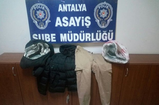 AVM'lerde akılalmaz hırsızlık! Folyo kaplı çantayla...