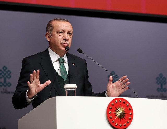 Atatürk Kültür Merkezi'nin (AKM) projesinin tanıtımına katılan ünlü isimler