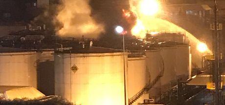 Son dakika... Kocaeli'de depolama sahasında tanker patladı