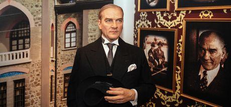 Atatürk'ün balmumu heykeli 10 Kasım'a özel  Madame Tussauds'da!