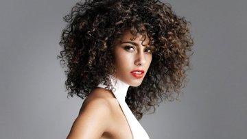 Kıvırcık saçlar için doğal bakım önerileri
