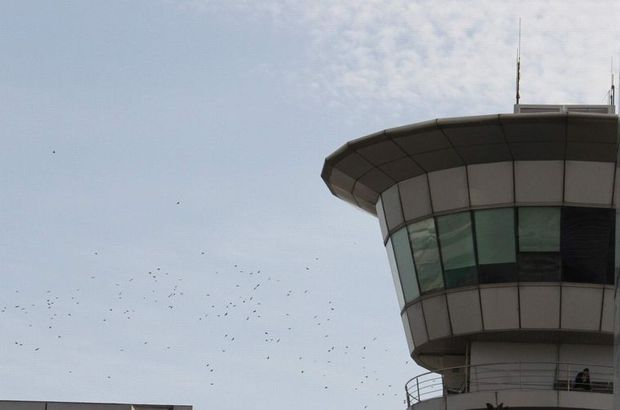 uçak kule