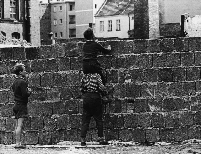 Berlin Duvarı'nın yıkılışının 28. yılı