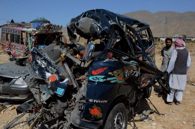 Pakistan'da otobüs kazası: 24 ölü, 50 yaralı