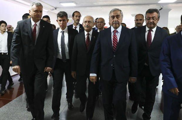 KKTC Cumhurbaşkanı Mustafa Akıncı, Deniz Baykal'ı ziyaret etti