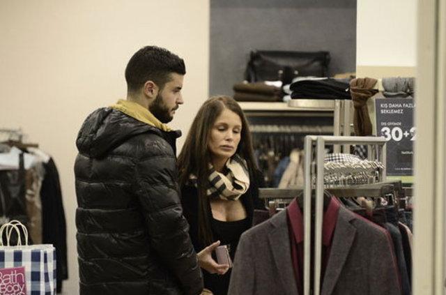 Menajer Begüm Örnek'ten Berk Oktay'ın eşi Merve Şarapçıoğlu hakkında suç duyurusu
