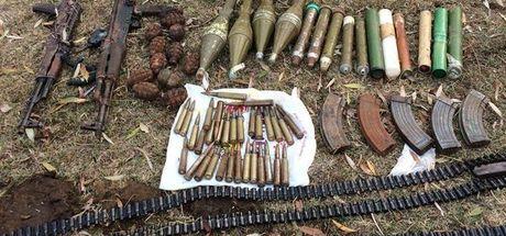 Bitlis'teki operasyonda çok sayıda silah ve mühimmat ele geçirildi