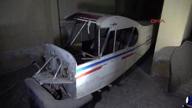 Avcılar'da bodrum katındaki hurda uçak hurdacıya verildi