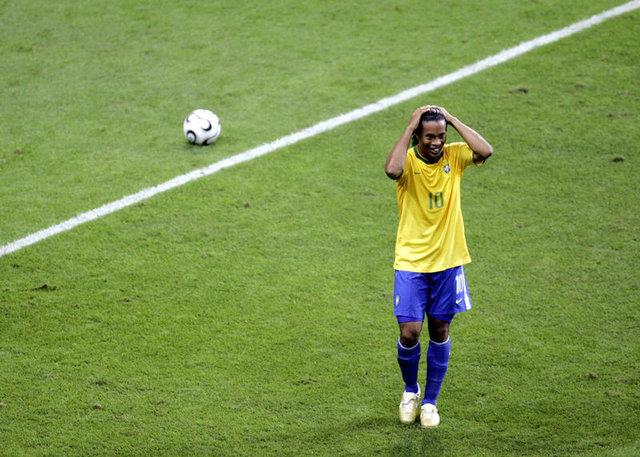 Ronaldinho'nun kariyeri - Ronaldinho golleri ve oynadığı takımlar