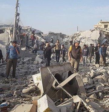 Halep'te pazar yerine hava saldırısı 10 ölü