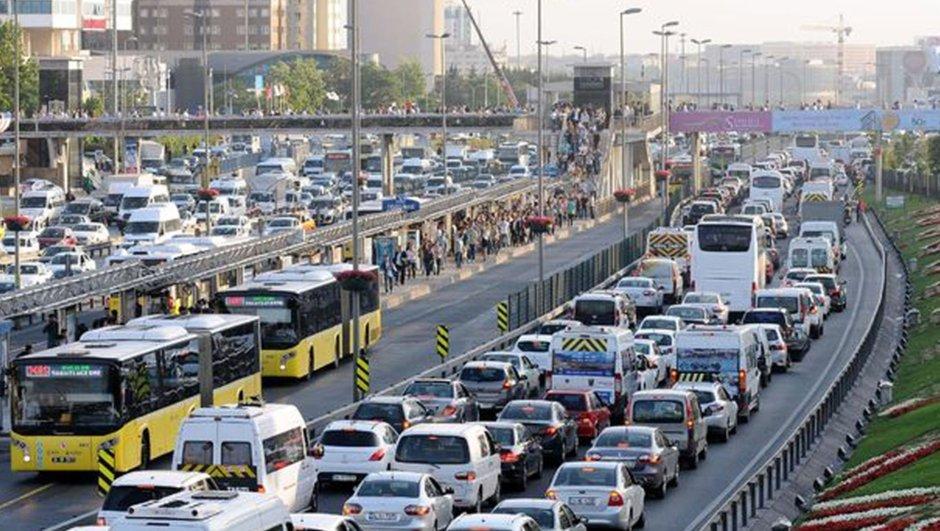 İstanbul trafiğe kapalı yol 14.11.2017
