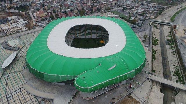 Bursaspor Stadı'nın 'timsah kafası' bölümü tamamlandı