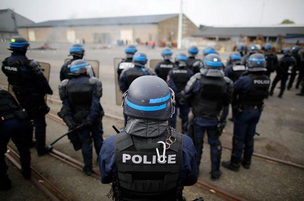 Fransa'da polis intiharlarının sebebi ne?