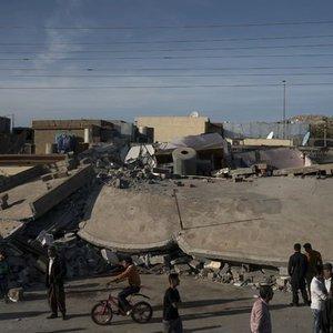 İRAN - IRAK SINIRINDAKİ DEPREMDE BİLANÇO AĞIRLAŞIYOR: EN AZ 530 ÖLÜ