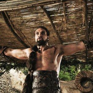 KHLAESİ'SİNİ BULDU! GAME OF THRONES'UN YILDIZI EVLENDİ...