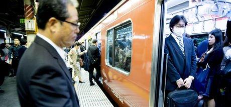 Japonya'da 20 saniye erken kalkan tren için özür!