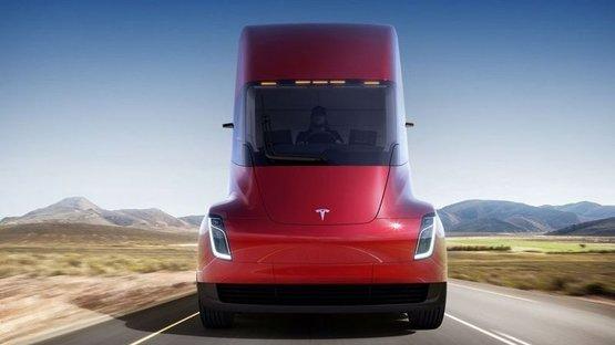 Yeni Tesla'lar tanıtıldı