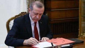 Cumhurbaşkanı Erdoğan 10 kanunu onayladı!