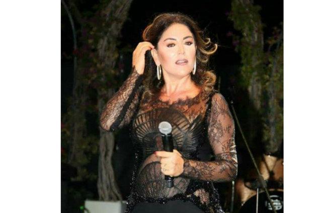 Aşkın Nur Yengi'nin 8 milyonluk gardırobu,Aşkın Nur Yengi 8 milyonluk villayı gardırop yaptı