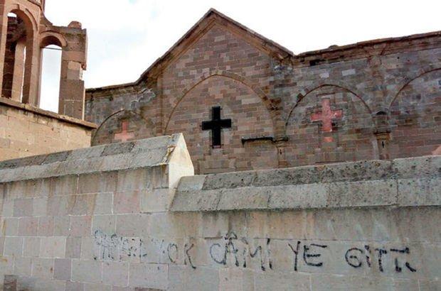 Nevşehir'de Aziz Theodoros Trion Kilisesi'ne 'Papaz camiye gitti' diye yazdılar