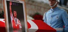 O Türkiye için dünyayı kaldırdı, şimdi Türkiye onu son yolculuğuna uğurladı