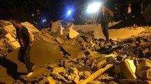 Batman'da aşırı yağıştan dolayı kerpiç ev çöktü: Ölü ve yaralılar var