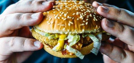 """""""Batı tipi diyet damar hasarı ve diyabete yol açıyor"""""""