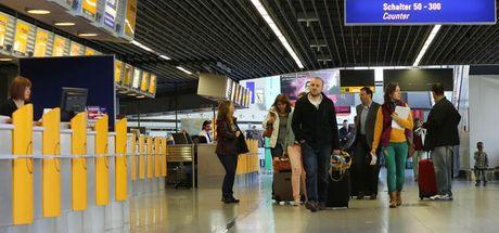 Yunanistan ile Almanya arasında 'yolcu arama' krizi