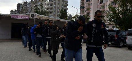 Adana'da operasyonda yakalanan 'Baron ve çetesi' adliyeye sevk edildi